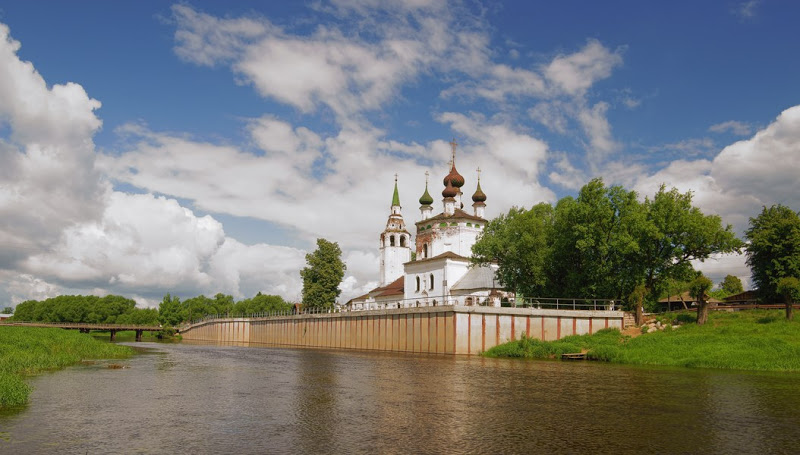 Click to enlarge image Choluy-Church.jpg